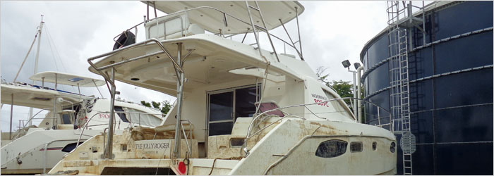 39' Robertson & Caine 2013  - Insurance Salvage - Damaged Boat